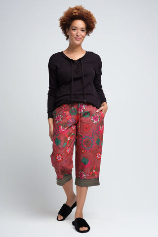 Floral Red Loungewear Capris for Women