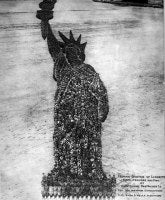 Human Statue of Liberty. 18,000 Officers and Men at Camp Dodge, Des Moines, Ia. Col. Wm. Newman, Commanding. Col. Rush S. Wells, Directing. <br>September 1918