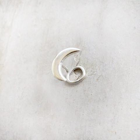 HALF MOON NOSE PIN - SILBERUH
