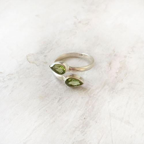 FACETTED PERIDOT ADJUSTABLE RING - SILBERUH