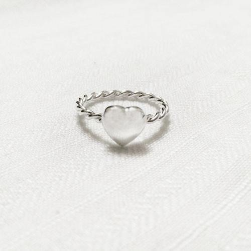 SILVER HEART TWISTED RING - SILBERUH