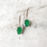 GREEN ONYX LONG HOOK SILVER EARRINGS - SILBERUH