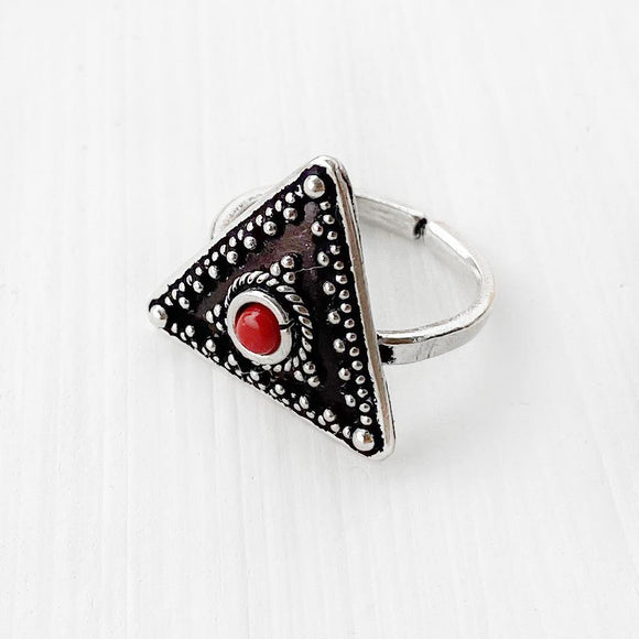 RED AGATE TRIANGLE SILVER TOE RING