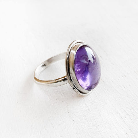 AMETHYST OVAL SILVER RING