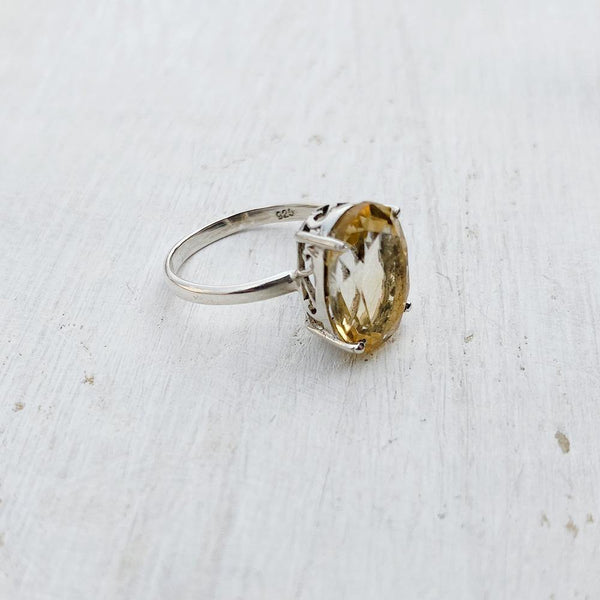 CITRINE OVAL SILVER RING