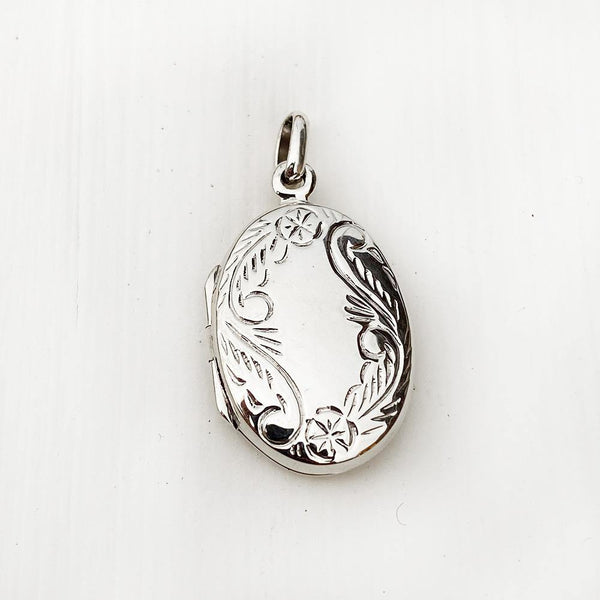FLOWER SILVER LOCKET PENDANT