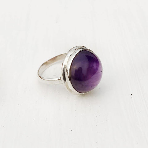 AMETHYST ROUND SILVER RING