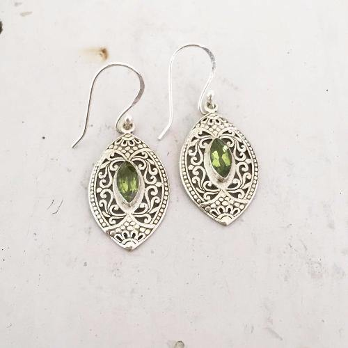 FILIGREE FACETTED PERIDOT SILVER EARRING - SILBERUH