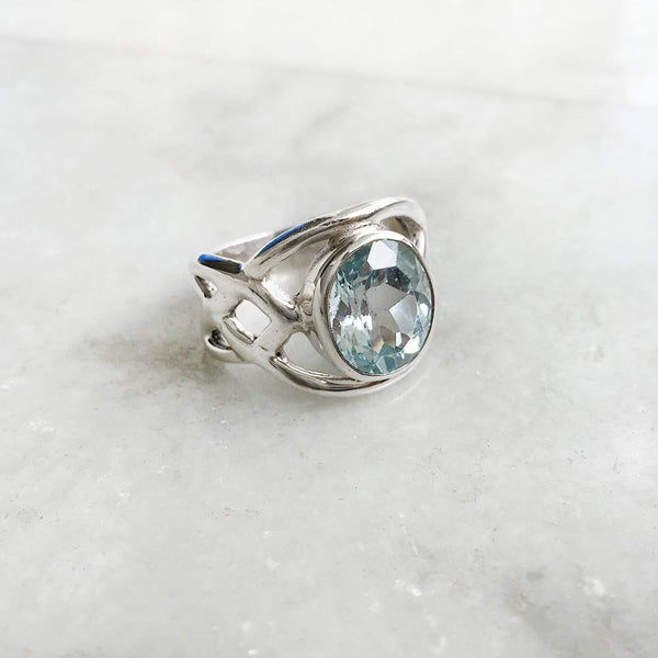 BLUE TOPAZ FACETTED SILVER RING - SILBERUH