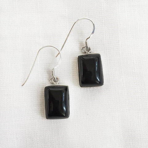 BLACK ONYX RECTANGULAR SILVER EARRING