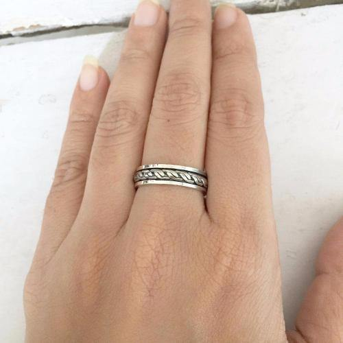 KNOTTED SILVER SPINNER BAND RING - SILBERUH