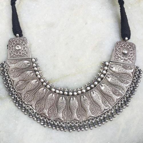 FISH TRIBAL SILVER NECKLACE - SILBERUH