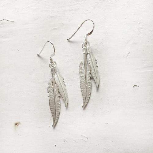 FEATHER SILVER EARRING - SILBERUH