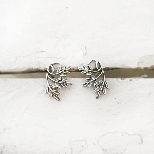 LEAVES SILVER STUD - SILBERUH
