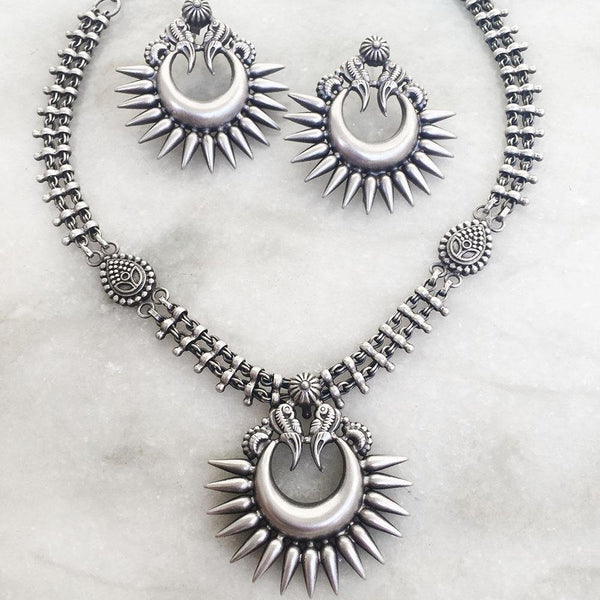 CHAND TRIBE SILVER NECKLACE & EARRING - SILBERUH