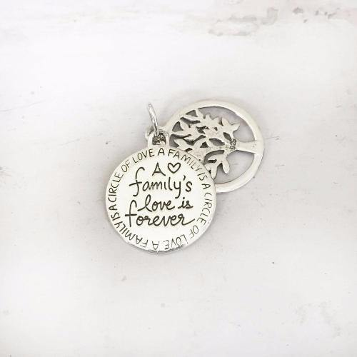 A FAMILY'S LOVE IS FOREVER SILVER PENDANT - SILBERUH