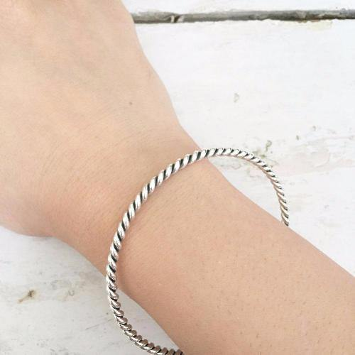 KNOTTED SILVER BANGLE - SILBERUH