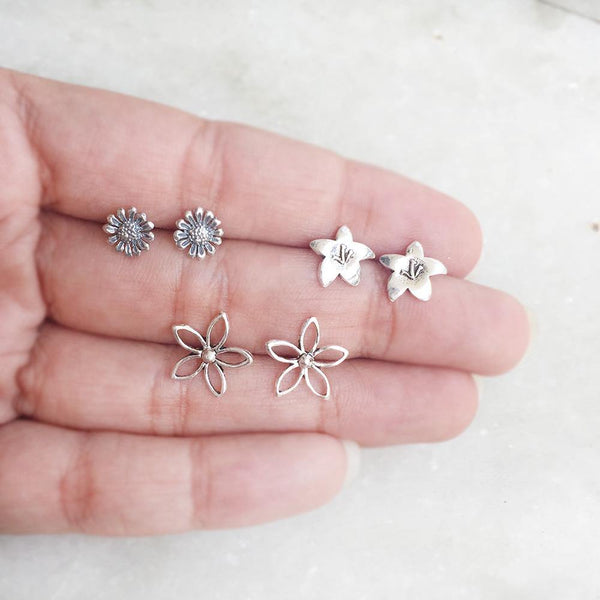 SET OF FLOWER STUDS - SILBERUH