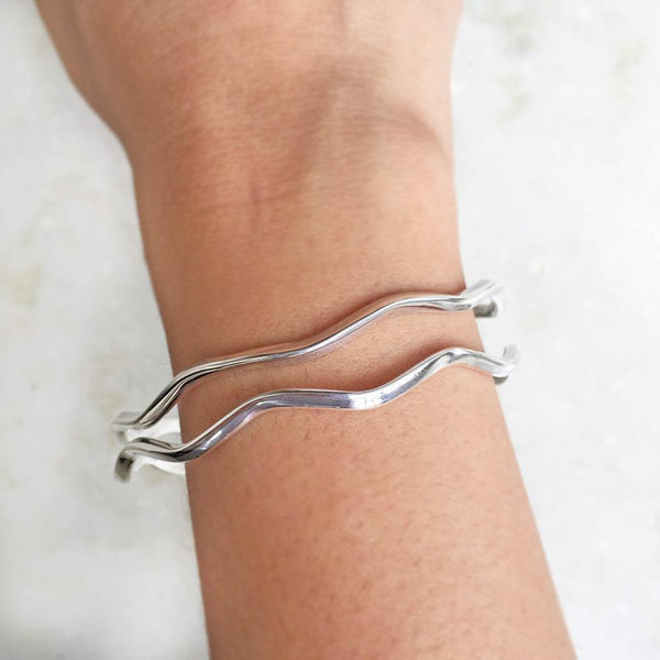 ZIGZAG SILVER BANGLE - SILBERUH