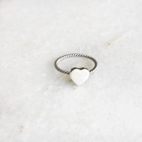 HEART TWISTED WIRE SILVER RING - SILBERUH