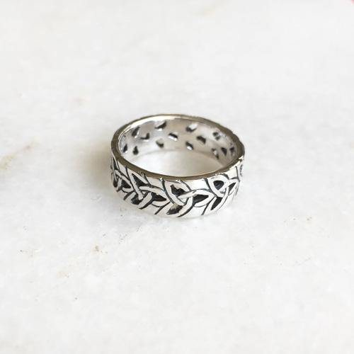 TRIQUETRA KNOT SILVER BAND RING - SILBERUH