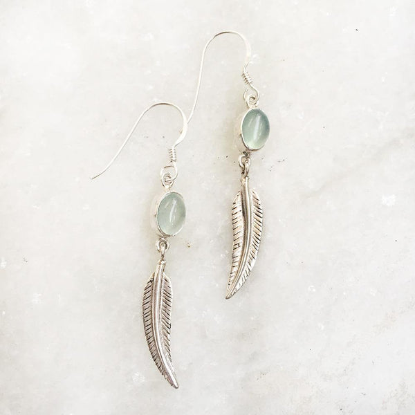 AQUA CHALCEDONY FEATHER SILVER EARRING - SILBERUH