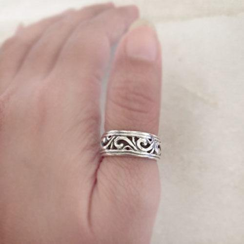 FLORAL SILVER BAND RING