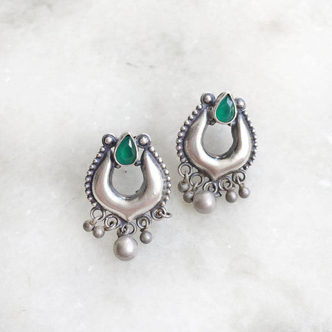 GREEN TRIBAL SILVER EARRING