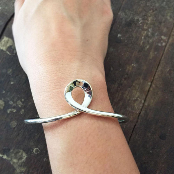 SILVER ADJUSTABLE KNOTTED BANGLE - SILBERUH