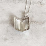 THE FLOWER RECTANGULAR LOCKET SILVER PENDANT WITH CHAIN - SILBERUH