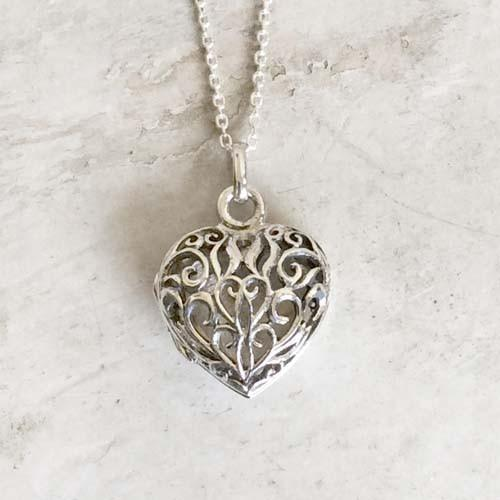 THE SILVER HEART FILIGREE JALI LOCKET PENDANT WITH  CHAIN - SILBERUH