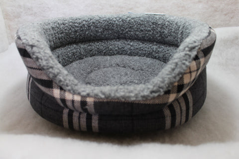 The Eden Collection Round Bed - Charcoal Plaid