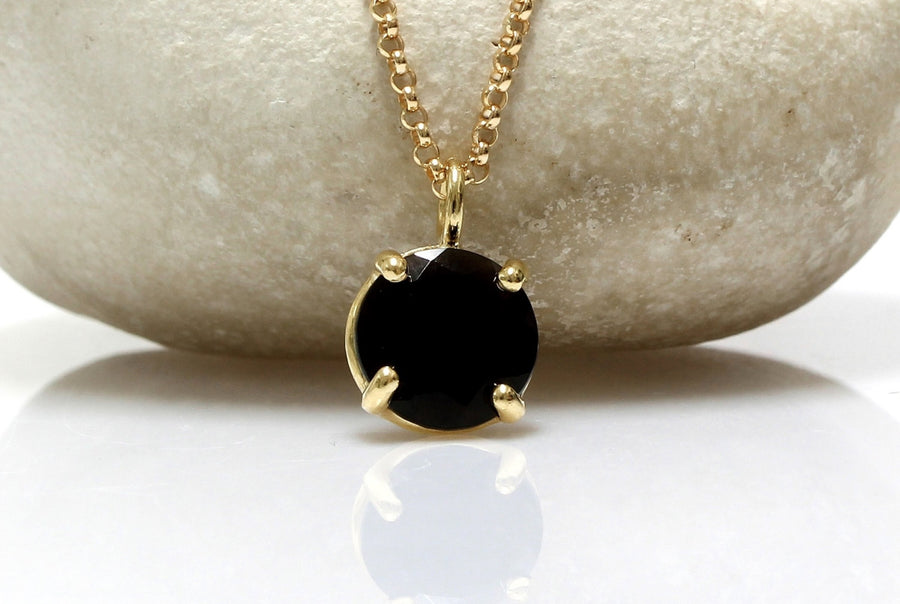 Black onyx pendant,gold necklace,delicate necklace,small gemstone necklace,luck charm necklace,bridesmaid gifts