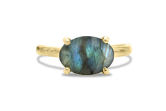 Oval Rings for Women - Labradorite Ring in 925 Sterling - Artisan-made Stone Ring for Special Occasions and Collection