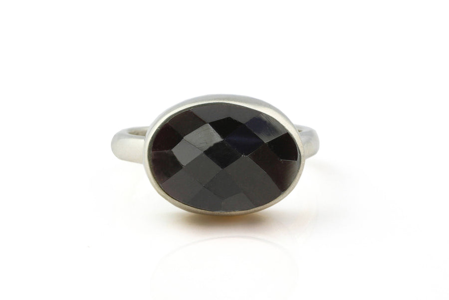 Black onyx ring,bezel ring,silver ring,gemstone ring,stacking ring,stackable rings,black ring