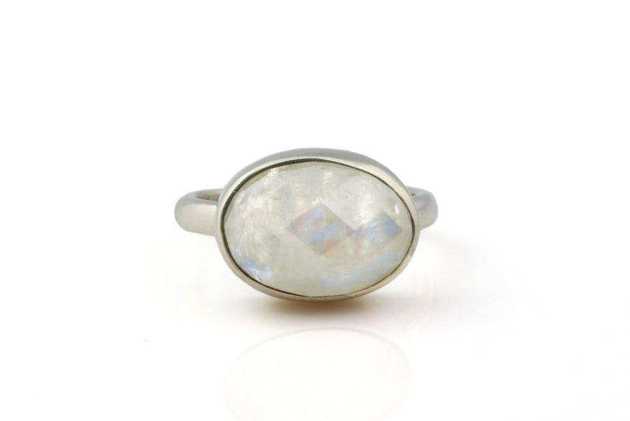 Moonstone ring,bezel ring,stacking ring,gemstone ring,silver ring,custom ring,oval ring