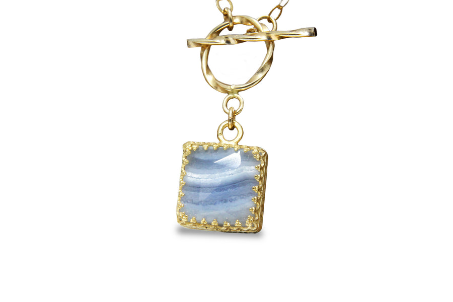 Lace Agate Necklace - Artisan 14k Gold Necklace - Elegant Fashion Jewelry for Women, Fine Toggle Clasp Necklace for Events and Gifts