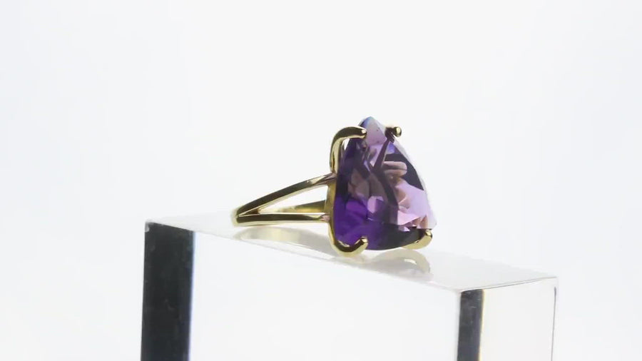 Amethyst Ring in 925 Sterling Silver - Gorgeous February Birthstone for Birthday Gift, 6th Anniversary Gifts, Fashionable Statement Jewelry
