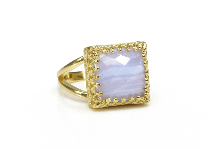 Stunning Lace Agate in 14k Gold-filled Band