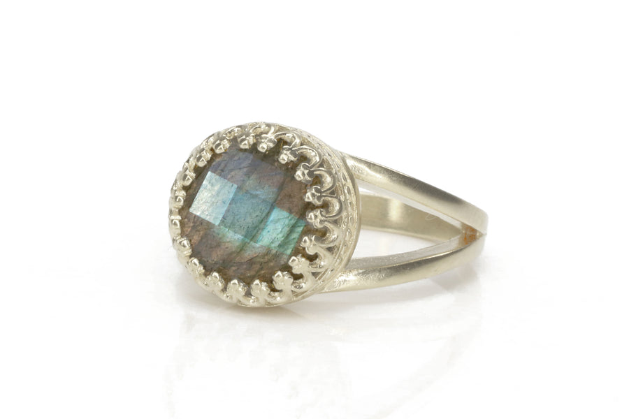 Labradorite Ring - 10 Carat Natural Labradorite Gemstone in 925 Sterling Silver Jewelry - Intricately Handmade Statement Ring for Women with Engraving