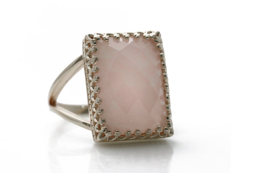 Elegant Rose Quartz Ring - Rose Quartz in 925 Sterling Silver - Skillfully Handmade Ring for Women - Love Jewelry, Everyday Jewelry, Special Occasion Jewelry