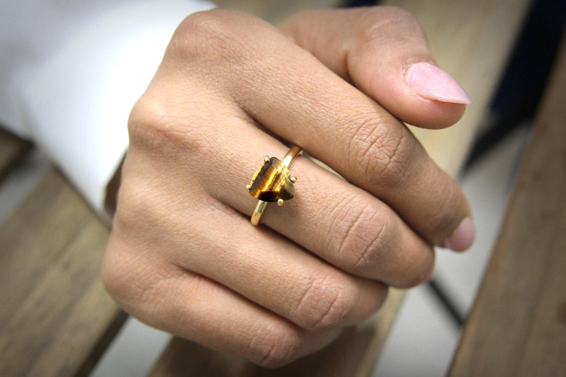 Tiger eye ring,gold stacking ring,gemstone ring,tiger ring,gold stone ring,vintage ring,triangle ring
