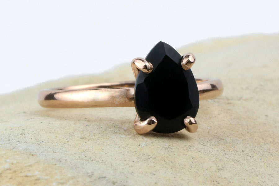 Rose gold ring,onyx ring,black ring,fashion ring,gemstone ring,teardrop ring,stack ring,stackable rings