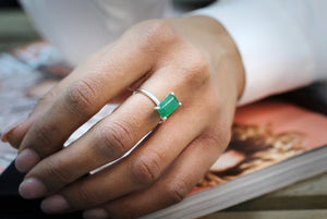 green aventurine ring,rectangle ring,silver ring,small ring,tiny gemstone ring,wedding ring,thin ring,simple ring