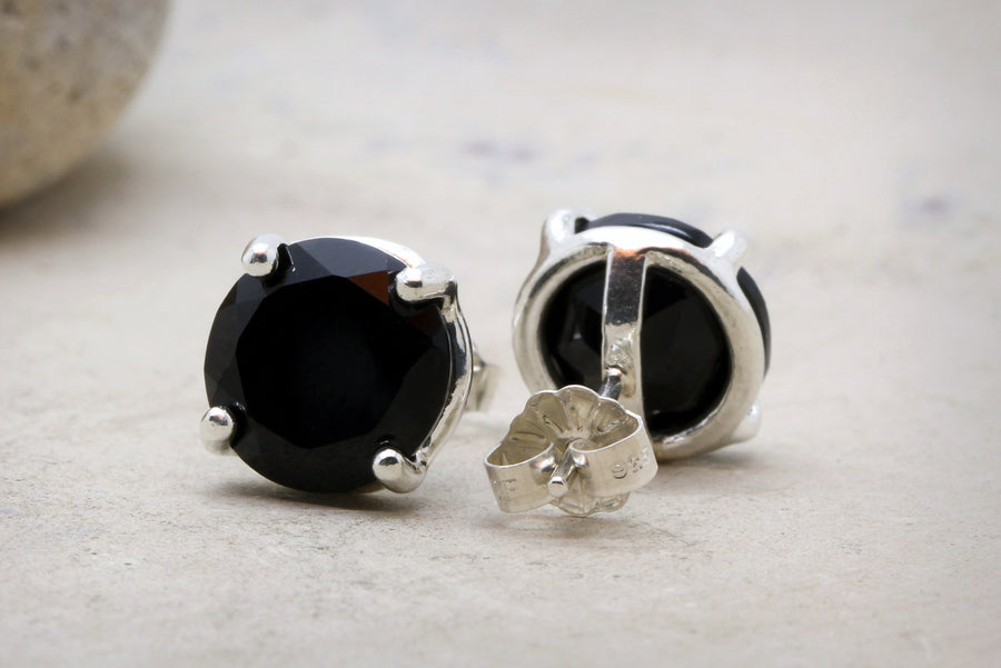 Sterling silver earrings,black earrings,black onyx earrings,post earrings,silver stud earrings,gemstone earrings