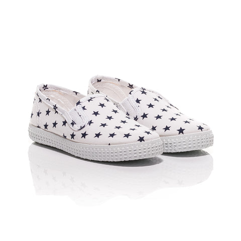 Cienta White Slip-On Canvas Shoes with Allover Star Print-Canvas Shoes-Sweet Peas Kidswear