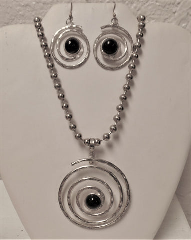Silver/Onyx Pendant & Earrings Set