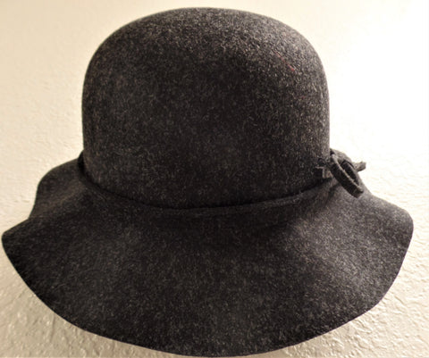 WOMAN'S CHARCOAL GREY SMALL BRIM FLOPPY HAT