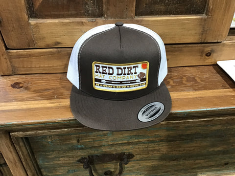 Red dirt arrows hat