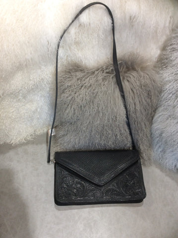 Que Chula Envelope bag